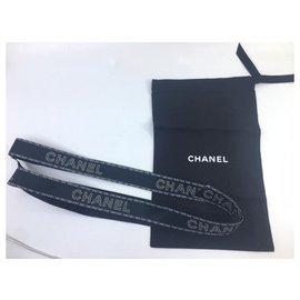 Chanel-Clutch mit Chanel-Kette-Schwarz