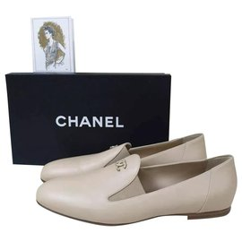 Chanel-NWOB Chanel Beige Leather Logo CC Loafers Shoes Sz 40,5-Beige