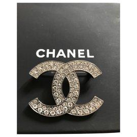 Autre Marque-Chanel Brooch CC-Silvery