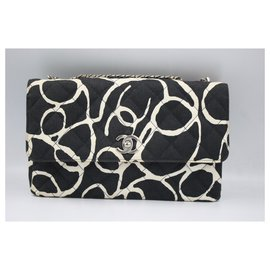 Chanel-Chanel Timeless handbag in canvas-Noir,Blanc