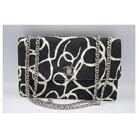 Chanel-Chanel Timeless handbag in canvas-Black,White