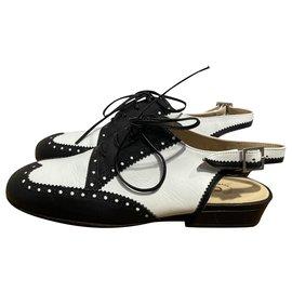 Chanel-Lace ups-Black,White