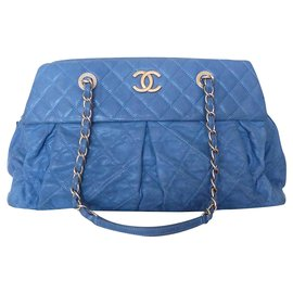 Chanel-CHANEL IRIDESCENT calf leather QUILT CHIC BOWLING BAG-Blue