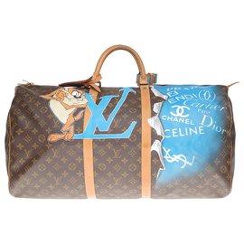 """Louis Vuitton-Superbe Sac de voyage Louis Vuitton Keepall 60 en toile monogram customisé """"TAZ"""" et numéroté 67-Marron"""