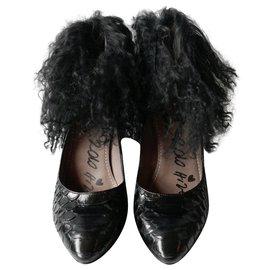 Lanvin-Archive AW10 Python & Lamb Fur Heels-Black