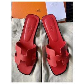 Hermès-Oran Sandals in Rose Cottinga-Fuschia