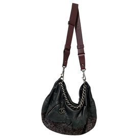 Chanel-HOBO-Black,Dark red
