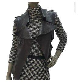 Chanel-CHANEL Veste en cuir noir avec boutons CC en cuir Sz.36-Noir