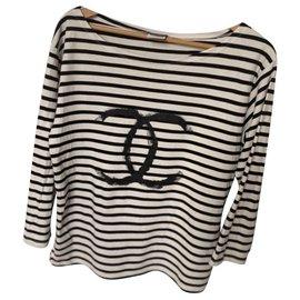 Chanel-Uniform-Noir,Blanc