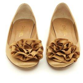 Chanel-GOLD SATIN CAMELIA FR38-Caramel
