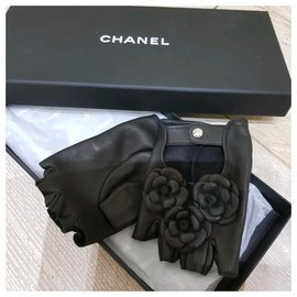 Chanel-Chanel camellia gloves-Black