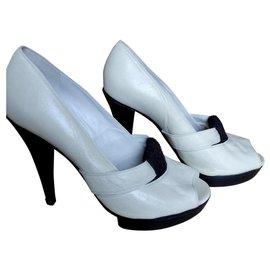 Chloé-Heels-Cream