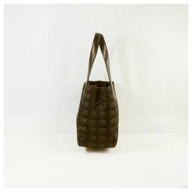Chanel-New Travel Line totePM Sac cabas pour femmes A20457 De couleur marron foncé-Marron