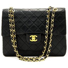Chanel-Chanel 2.55 Sac à bandoulière à rabat et chaîne carrée en cuir d'agneau noir-Noir