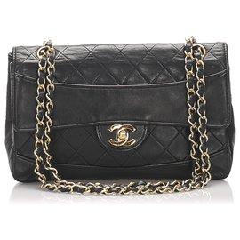 Chanel-Chanel Black Classic Medium Lambskin Single Flap Bag-Noir