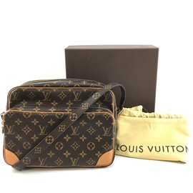 Louis Vuitton-Louis Vuitton Amazon Nil 28 Monogram canvas-Brown