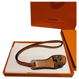 Hermès-Oran Hermes charm-Taupe