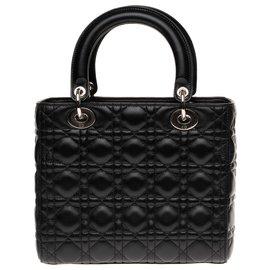 Christian Dior-Christian Dior bag Lady Dior MM model in black cannage leather, Garniture en métal argenté-Black