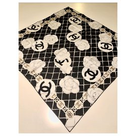 Chanel-CHANEL scarf with pure silk camellias-Multiple colors