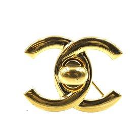 Chanel-Chanel CC Turnlock Gold Hardware Brooch-Golden