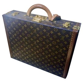 Louis Vuitton-Monogram president case-Brown