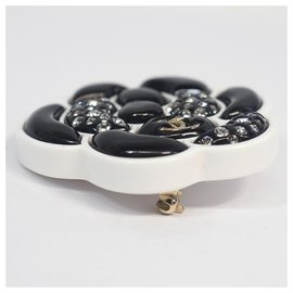 Chanel-CHANEL D19 camelia brooch resin brooch white x black-Other