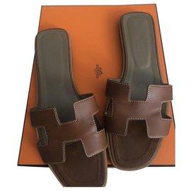 Hermès-Mules-Brown
