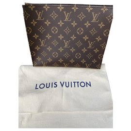 Louis Vuitton-Toiletry pouch 26-Brown