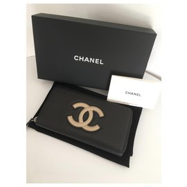 Chanel-Chanel large zipped wallet-Black,Beige