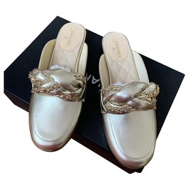 Chanel-Mules-Golden,Gold hardware