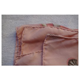 Hermès-Railing-Pink