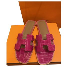 Hermès-Hermès Oran sandals-Pink