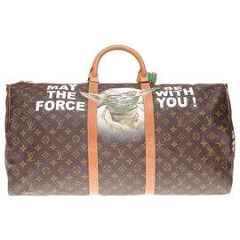 """Louis Vuitton-Sac de Voyage Louis Vuitton Keepall 60 bandoulière en toile monogram customisé """"Hulk Vs Yoda, F*** the Force"""", numéroté #75 par l'artiste PatBo-Marron"""