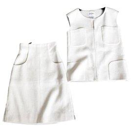 Chanel-costume parfait en tweed écru-Écru