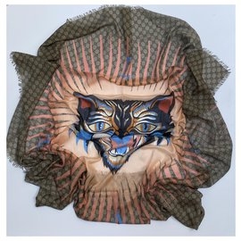 Gucci-Angry Cat Shawl-Beige