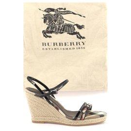 Burberry-FLIP FLOPS-Black