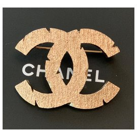 Chanel-Large Pale Gold Tone CC Logo Metal Brooch Pin-Golden