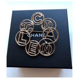 Chanel-CC logo brooch-Golden