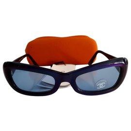 Chanel-Des lunettes de soleil-Bleu