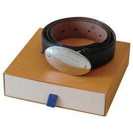 Louis Vuitton-Louis Vuitton men's belt-Black