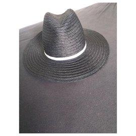 Chanel-Chapeaux-Noir
