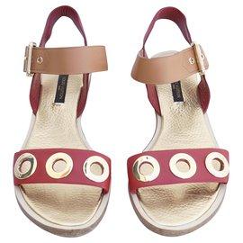Louis Vuitton-Des sandales-Rouge