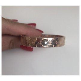 Louis Vuitton-Bracelets-Golden