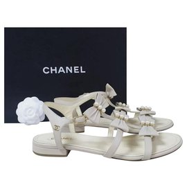 Chanel-CHANEL Beige Leather Bow CC Logo Sandals Sz 40-Beige