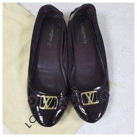 Louis Vuitton-Chaussures plates Louis Vuitton Bordeaux en cuir verni Sz. 38-Noir