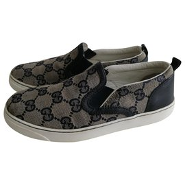 Gucci-Sneakers-Blue