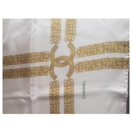 Chanel-Foulards de soie-Rose