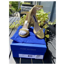 Stuart Weitzman-Nearly nude gold-Golden