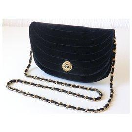Chanel-Rare Sac Chanel Vintage en Velours-Noir