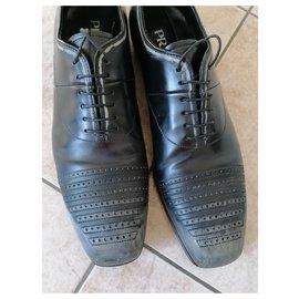 Prada-Classic-Black